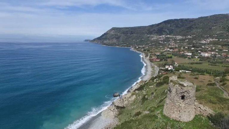 """Nicotera, è polemica sulla donazione di """"Torre Parnaso"""" al Comune di Joppolo (VIDEO)"""