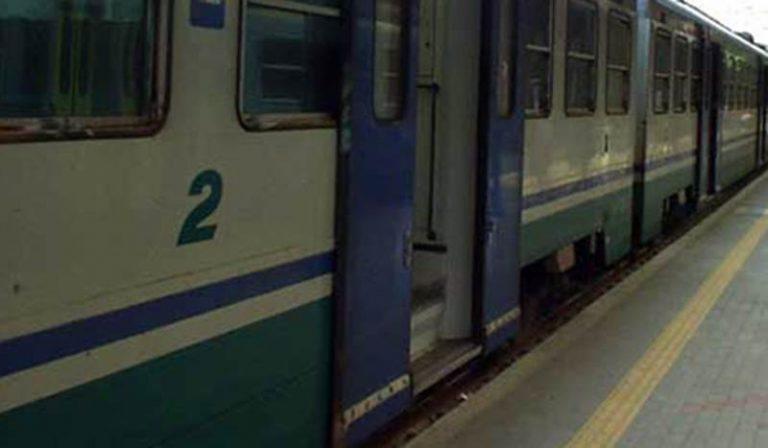 Sassi contro treno. Sospesa la circolazione ferroviaria fra Ricadi e Tropea