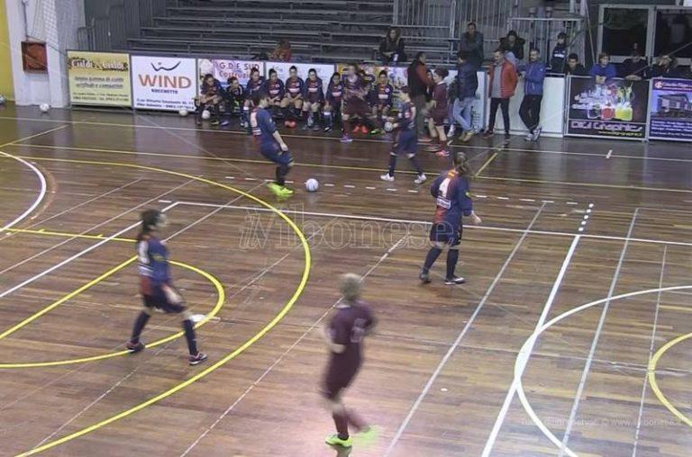 Calcio a 5 femminile | Campionati al via, ai nastri di partenza anche Vibo C/5 (VIDEO)