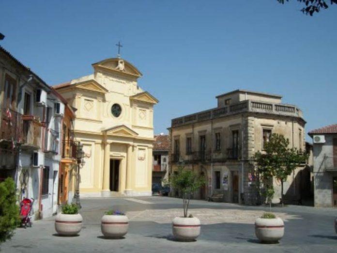 La piazza di Vazzano