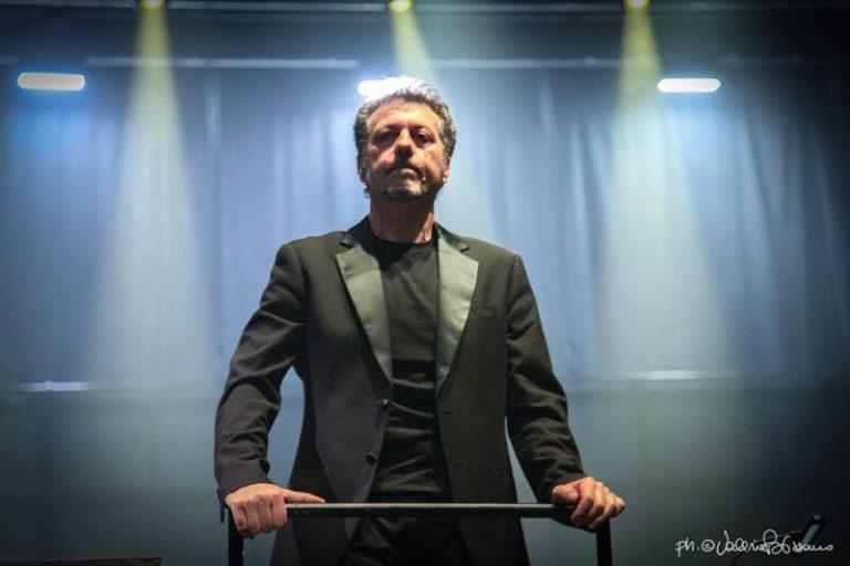 Un vibonese sul palco dell'Ariston, Clemente Ferrari dirige Gazzè e Barbarossa a Sanremo