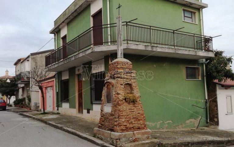 """Mileto, la storia della """"Cruci 'i Saccari"""": muta testimone della storia cittadina"""