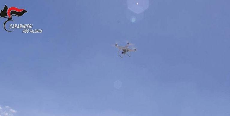 Drone sorvola i carabinieri durante un'operazione a Nicotera, abbattuto dai militari (FOTO-VIDEO)