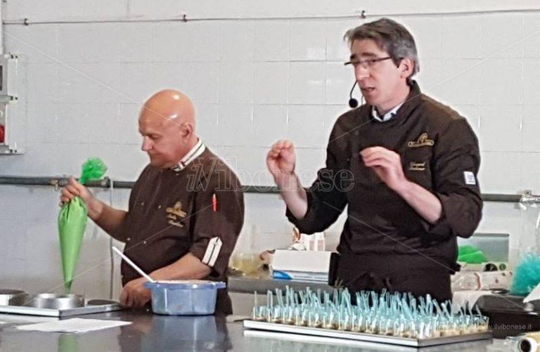 Soriano, a scuola di cioccolato con il maestro Edouard Bechoux (VIDEO)