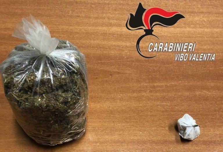 Droga: eroina nel giubbino e marijuana a casa, un arresto nel Vibonese