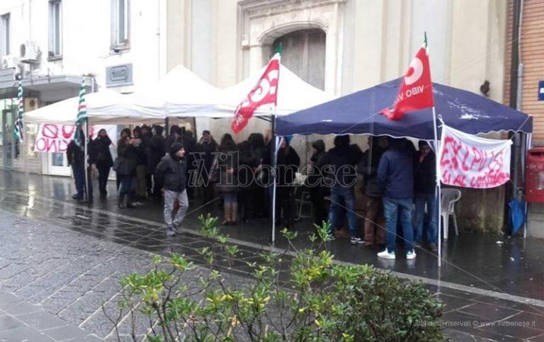 Vertenza Lsu-Lpu, prosegue la protesta: lavoratori in corteo a Vibo (VIDEO)