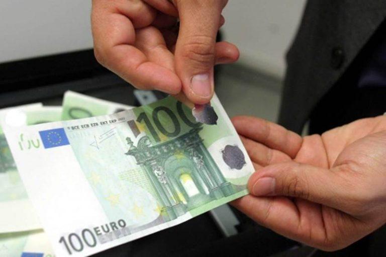 In vacanza nel Vibonese con soldi falsi, convalidati gli arresti