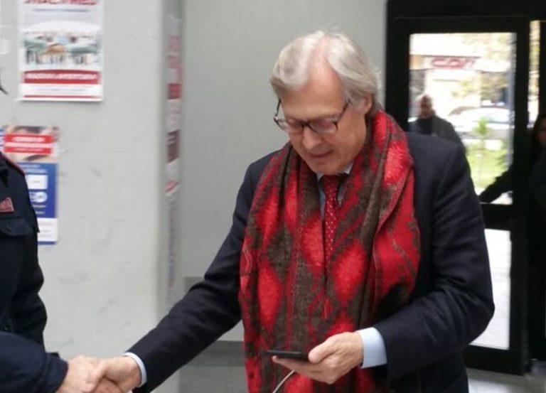 """Processo """"Overing"""", Vittorio Sgarbi in aula a Vibo per testimoniare"""