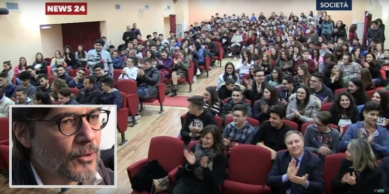 Ettore Bassi e gli studenti di Filadelfia mettono in scena l'orrore della mafia (VIDEO)