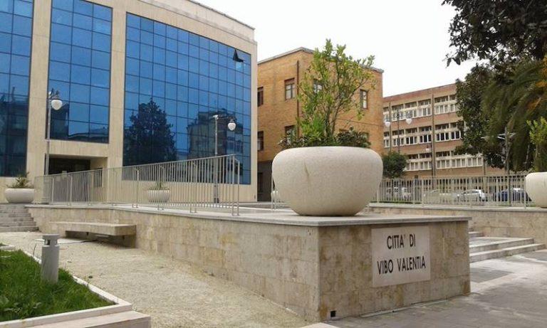 Dissesto a Vibo, Insardà e Marasco contro Mangialavori: «Dimentica le colpe del centrodestra»