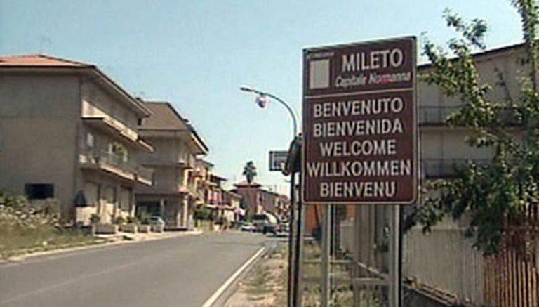 Mileto: affronta i ladri beccati in casa che lo aggrediscono e si danno poi alla fuga