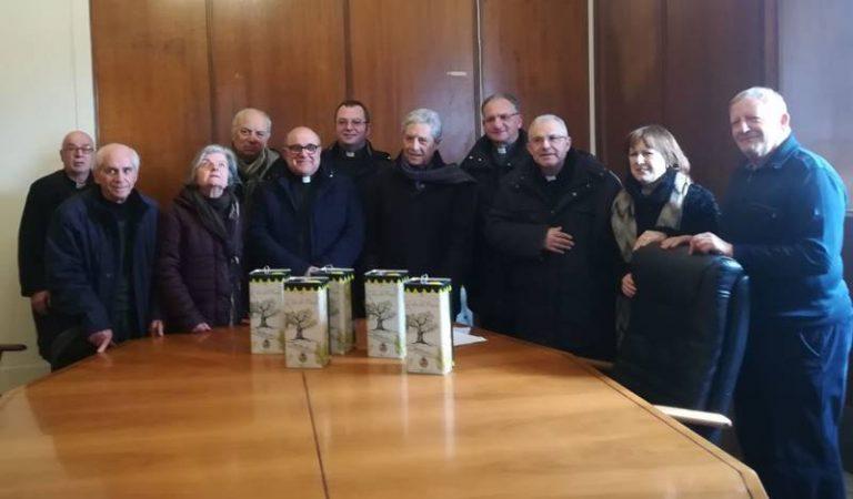 Dagli ulivi del Parco urbano di Vibo l'olio per i bisognosi della città