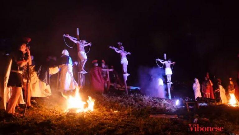 A San Calogero emozione e trasporto per la Passione vivente (VIDEO)