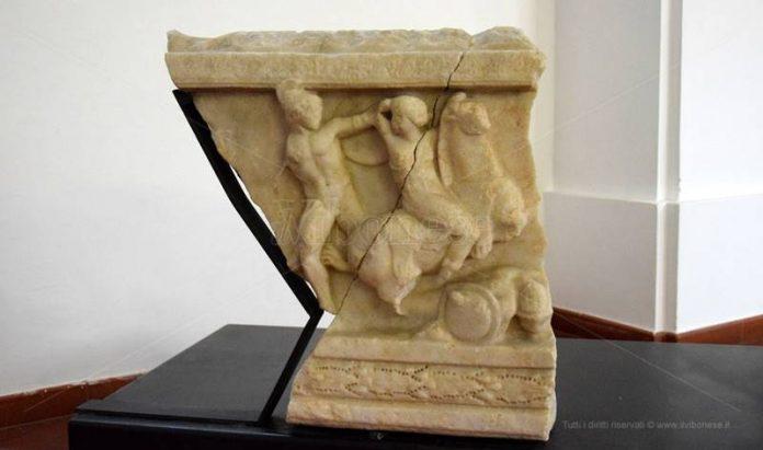 Uno dei preziosi reperti custoditi a Mileto