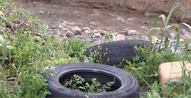 """A Portosalvo il """"torrente della paura"""": rifiuti ed incuria rischiano di farlo straripare (VIDEO)"""