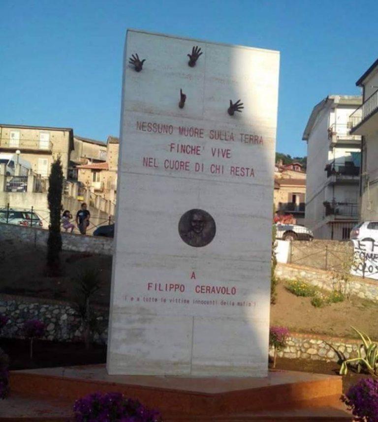 Sfregiato a Soriano il monumento in ricordo di Filippo Ceravolo