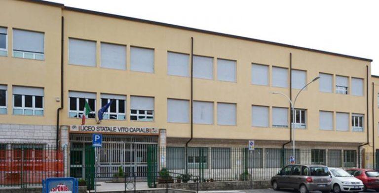 Liceo Capialbi, si riapre la questione aule: «21 classi staranno a casa»