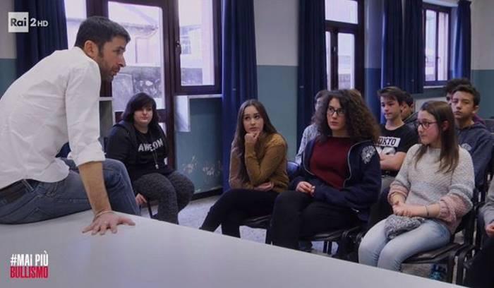 #Maipiùbullismo, il programma di Rai2 spiegato agli alunni di Dasà e Acquaro