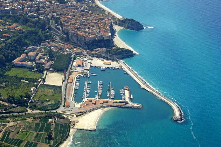 Concessioni demaniali e gestione dei porti turistici: l'Aiga di scena a Tropea