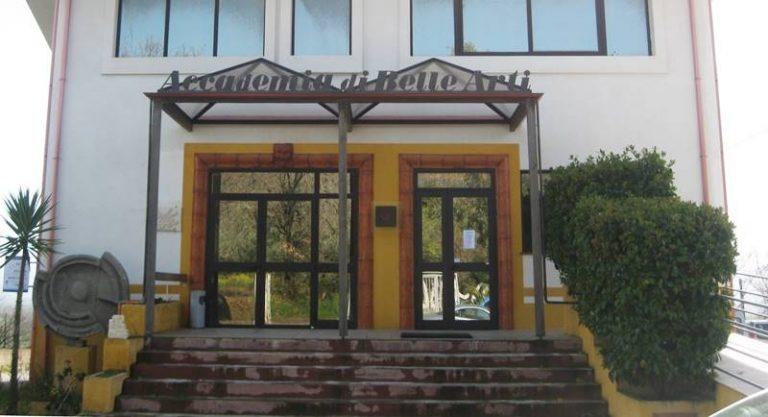Accademia Fidia di Stefanaconi, decisione della Cassazione per il preside