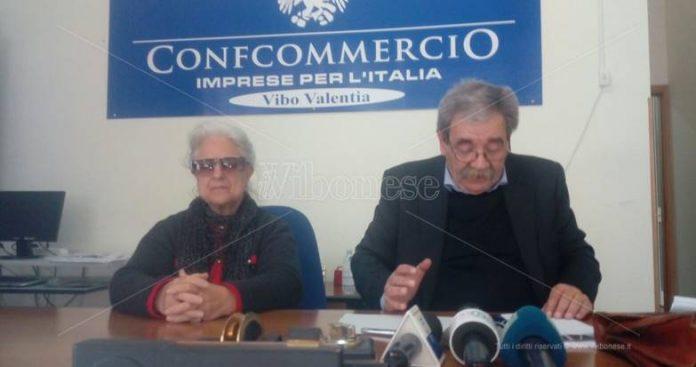 Rosaria Scarpulla e Giuseppe De Pace nel corso della conferenza stampa
