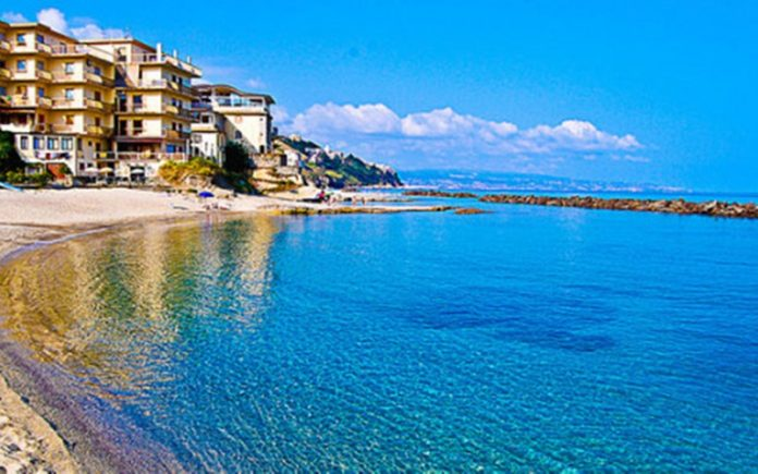 """La spiaggia """"Hotel Grillo"""" a Pizzo"""