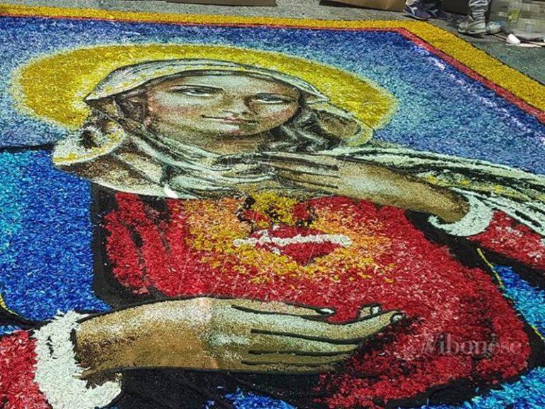 Fiori e fede, a Potenzoni torna la tradizionale Infiorata