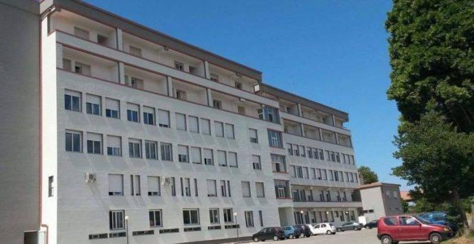 Ospedale di Serra, Tassone sollecita l'assunzione di personale nei reparti da aprire