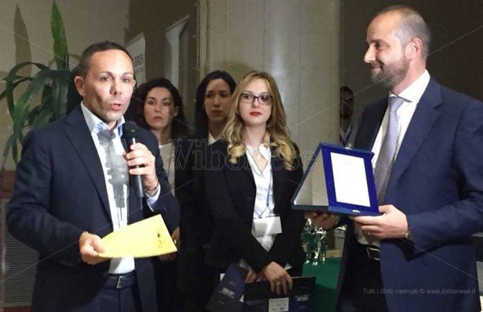La consegna del Premio Amaro Silano a Domenico Maduli