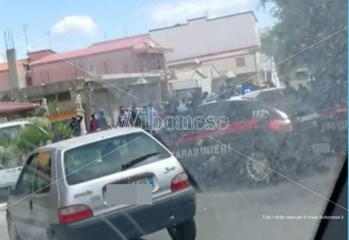 Protesta migranti a Vibo Marina