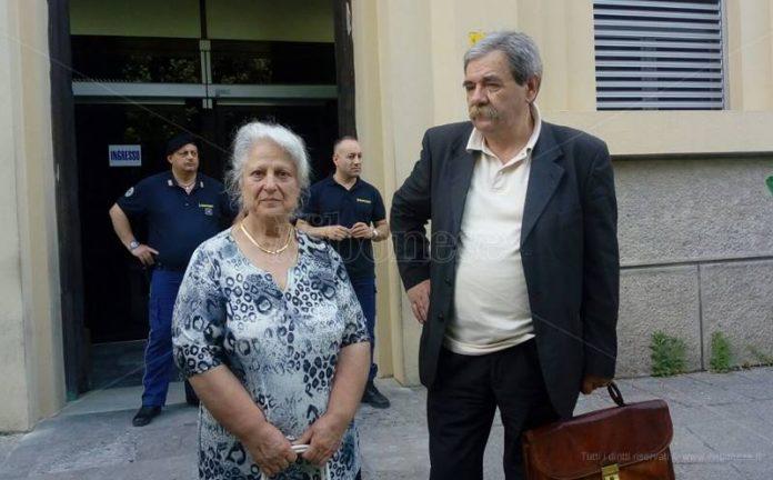 Rosaria Scarpulla con l'avvocato Giuseppe De Pace