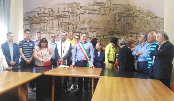 La cerimonia inaugurale del nuovo Comune
