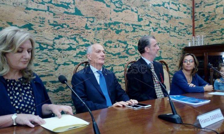 Premio Filangieri al capo della Polizia Gabrielli: «A Vibo lo Stato è presente» (VIDEO)