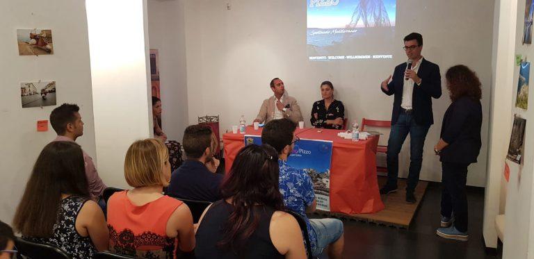 Pizzo, nove scatti d'autore per dare il benvenuto ai turisti (VIDEO)