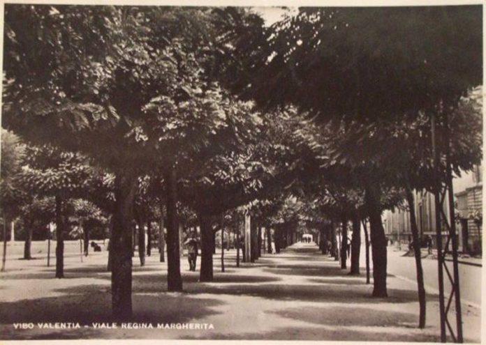 Viale Regina Margherita in una cartolina d'epoca