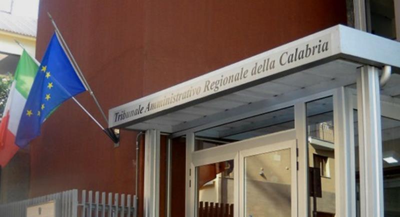 Questa immagine ha l'attributo alt vuoto; il nome del file è TAR-Calabria.jpg