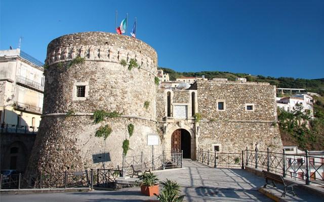 Pizzo, inizia dal Castello Murat il tour calabrese di CulturaIdentità