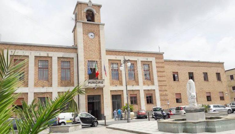 Giunta comunale a Vibo, si sbloccano le nomine: entrano Macrì e Marrella