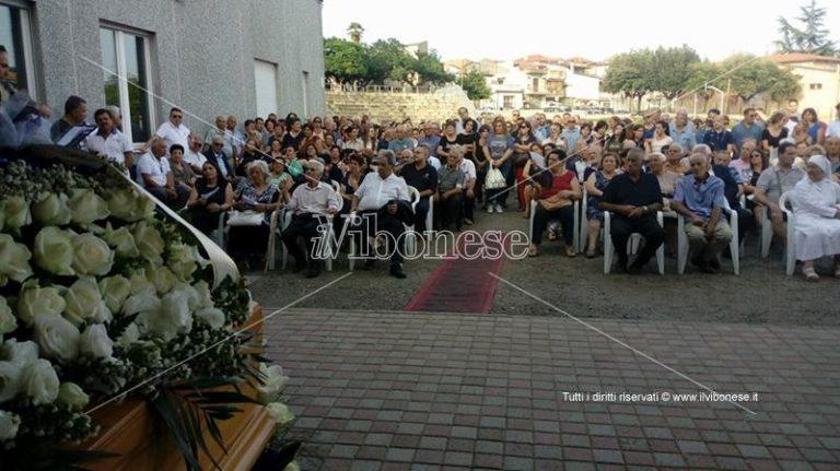 """I funerali di Matteo Vinci a Limbadi e quelle assenze di """"peso"""""""