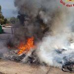 L'incendio all'isola ecologica di San Gregorio