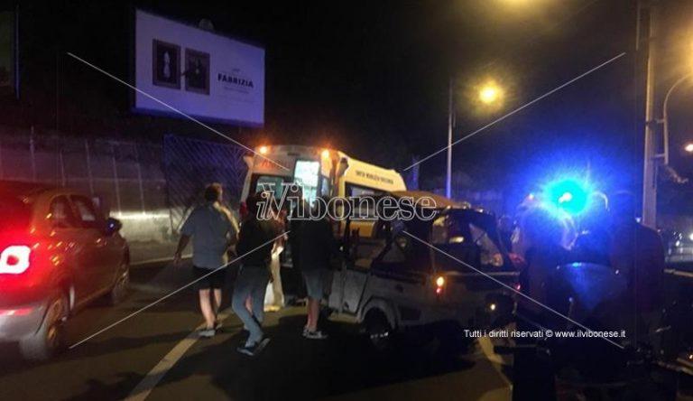 Incidente stradale a Pizzo: Ape calessino si ribalta, tre feriti
