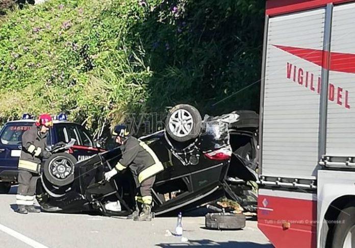 Una delle auto rimaste coinvolte nell'incidente