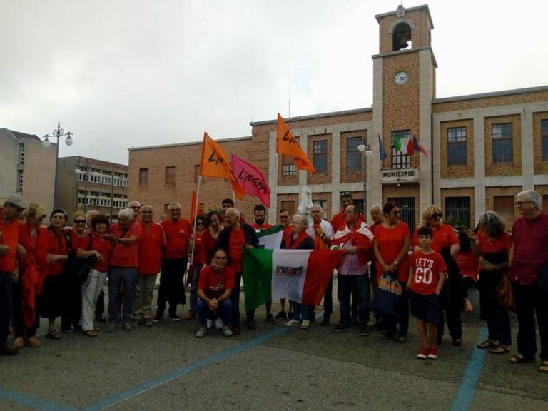 Magliette rosse contro l'indifferenza, Vibo risponde all'appello (VIDEO)