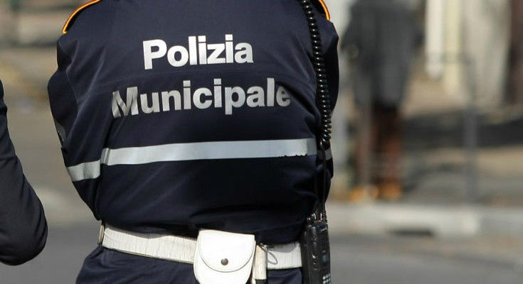 Irregolarità al mercato di via delle Clarisse a Vibo, individuati e multati quattro trasgressori