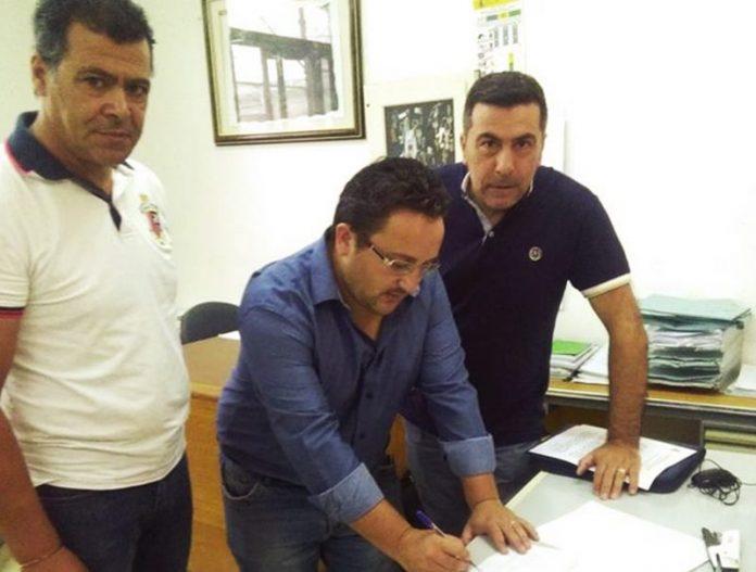 La firma dell'accordo a Zungri