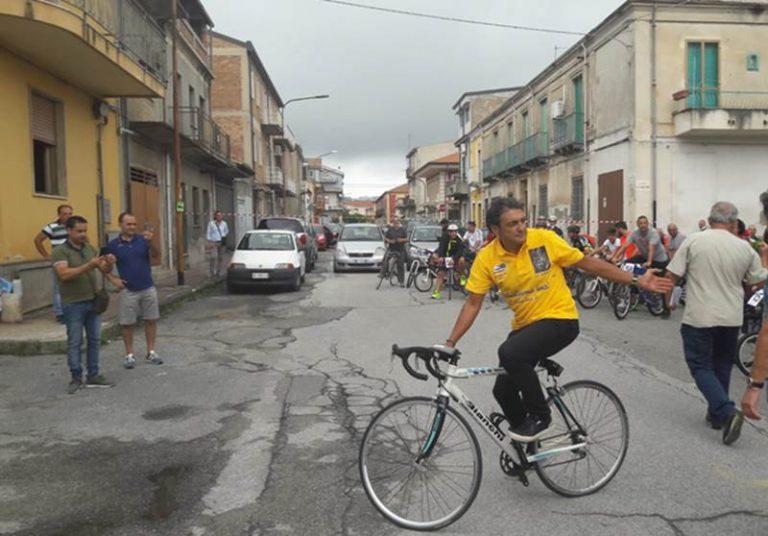 Successo a Mileto per la Ciclopedalata con il campione Claudio Chiappucci