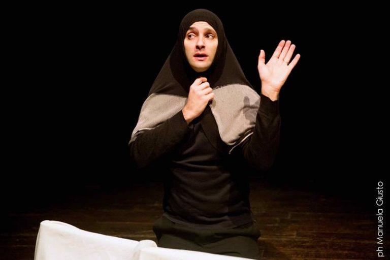 Avvistamenti teatrali, a Ricadi l'unica data calabrese di Tindaro Granata