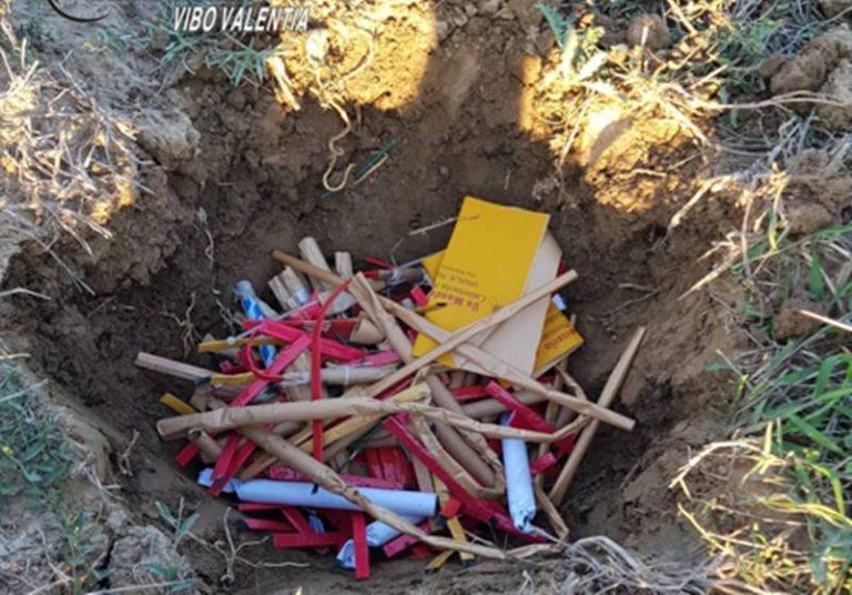 Cinquanta chili di botti illegali tenuti tra abitazioni e scuole, denunciato 64enne di Nicotera