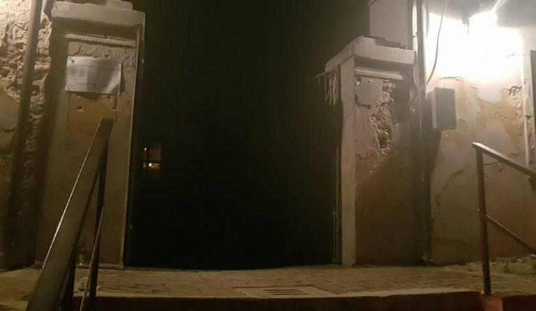 Lascia aperto di notte il cimitero di Bivona, provvedimento disciplinare per il custode