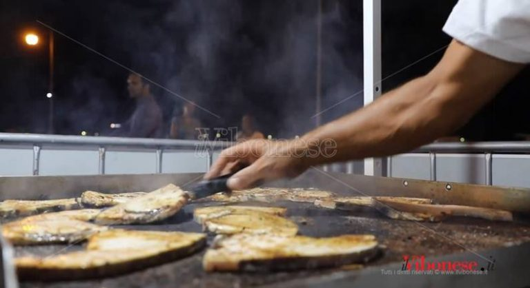 Estate vibonese | In centinaia al Tyrrheni fish fest di Vibo Marina (VIDEO)